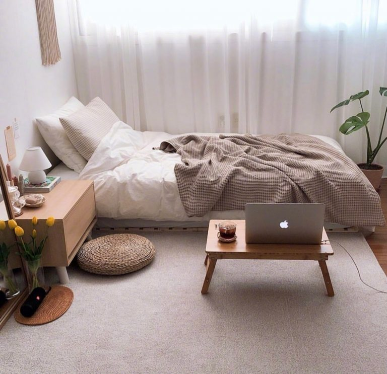 8 Rekomendasi Barang Dekorasi Untuk Hias Kamar Tidur Kamu ala Pinterest. Minimalis dan Estetik Banget! 1