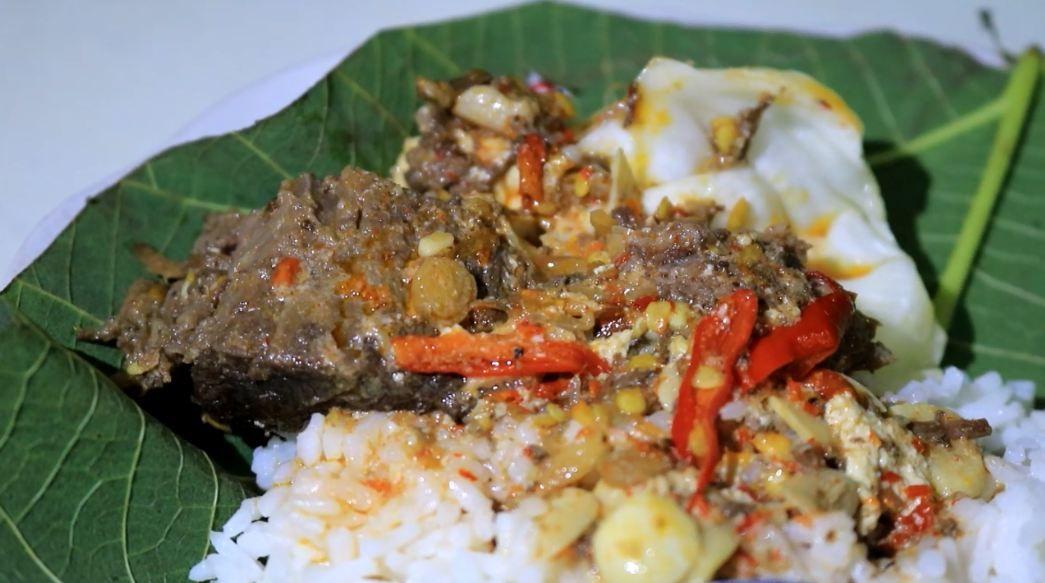 Harus tau! 5 masakan nasi khas jawa tengah yang bikin ngiler 6