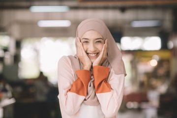 Pentingnya Menggunakan Kosmetik yang Bersertifikasi Halal 9