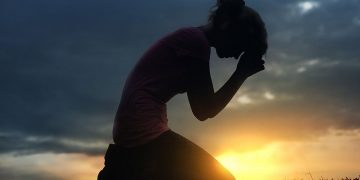 Bagaimana Jika Orang Yang Kau Sakiti Mengadu Langsung Pada  Penciptanya? 20