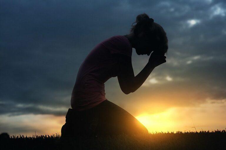Bagaimana Jika Orang Yang Kau Sakiti Mengadu Langsung Pada  Penciptanya? 1