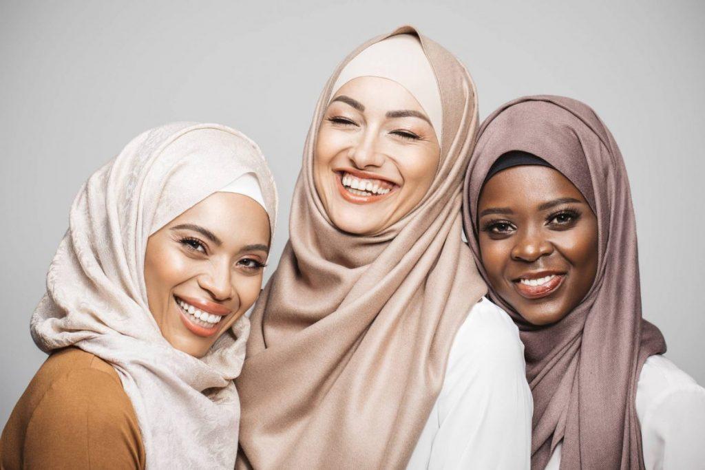 Pentingnya Menggunakan Kosmetik yang Bersertifikasi Halal 3