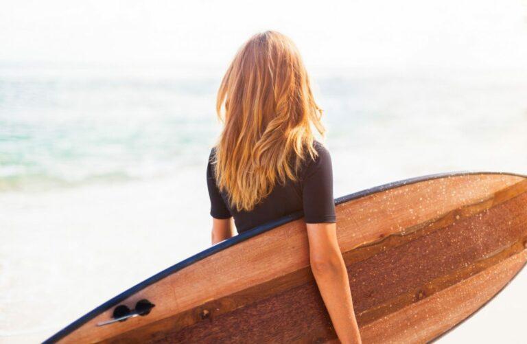 Benarkah Ada Rahasia Bikin Rambut Berkilau Walau Engga Ke Salon ? 1