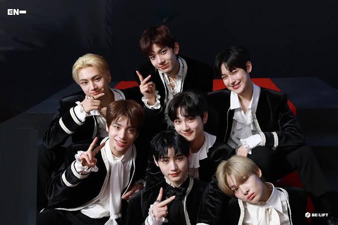 8 Grup K-pop ini disebut sebagai Rookie Monster 2020 8