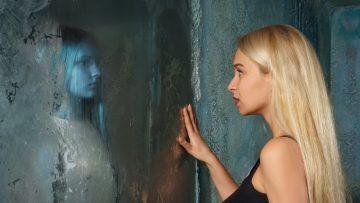 Makhluk Mengerikan di Cermin 4