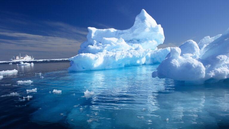 Kutub Utara Dan Kutub Selatan, Apa Bedanya? 1