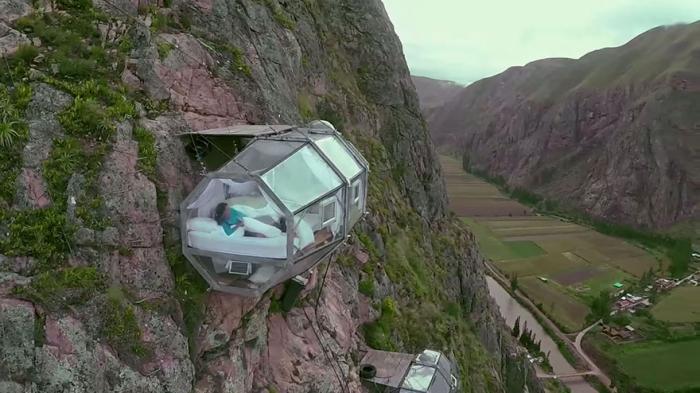 5 Hotel Paling Ekstrem di Dunia ini Siap Menguji Nyalimu! 7
