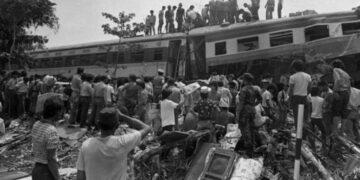 2 Film Indonesia Bertema Tragedi Kereta Api 18