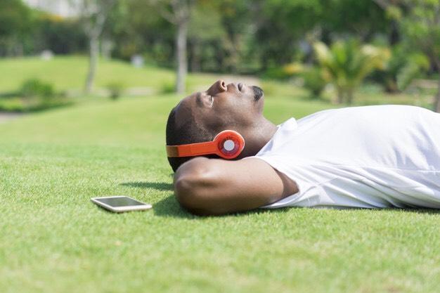 4 Cara Mengatasi Overthinking Sebelum Tidur 5