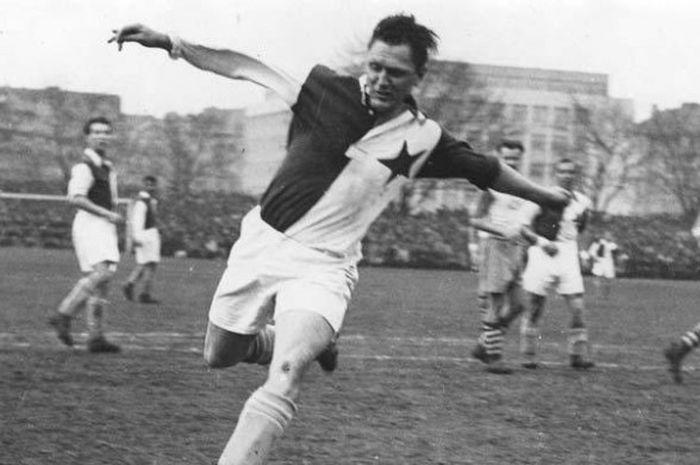 Rekor Ronaldo Menyamai Josef Bican, Sebagai Pencetak Gol Terbanyak Sepanjang Masa 4