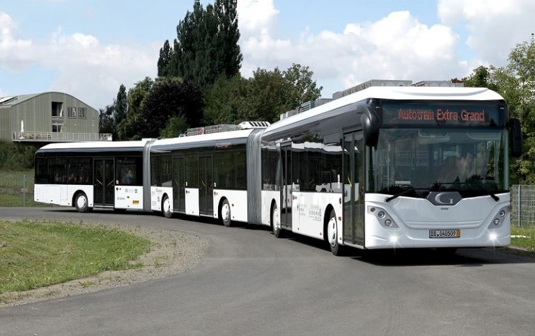 Mengenal The AutoTram Extra Grand : Bus Terpanjang di Dunia 1