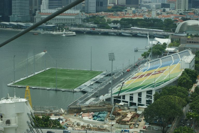 Stadion Unik Terapung Terbesar di Dunia, Podium Apung Marina Bay, Singapore 1
