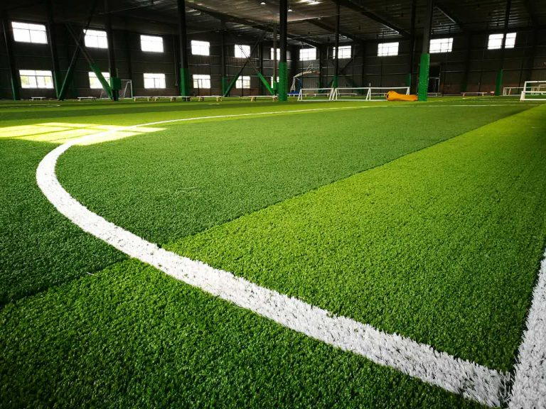 Tips Memilih Rumput Futsal Yang Cocok Untuk Lapangan Futsal Anda 1