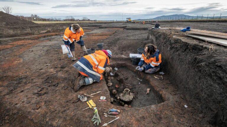 Arkeolog INRAP Temukan Kuburan Anak Balita dan Anjing Berusia 2.000 Tahun 1
