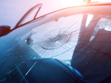 Tips Mencegah Kejahatan Pecah Kaca Yang Kian Marak 5