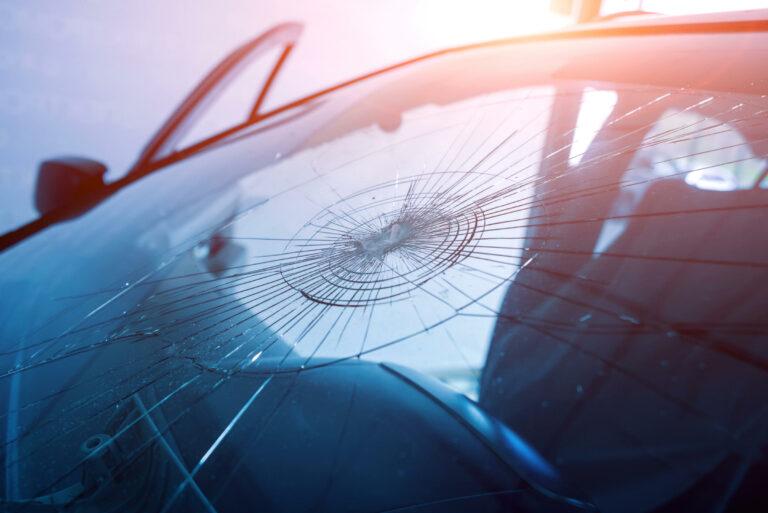 Tips Mencegah Kejahatan Pecah Kaca Yang Kian Marak 1