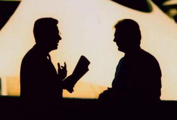 Kritik Atas Bahasa Asing Dalam Dialog Menggunakan Bahasa Indonesia 12