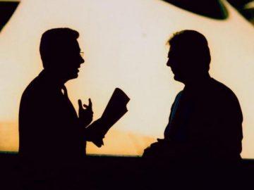 Kritik Atas Bahasa Asing Dalam Dialog Menggunakan Bahasa Indonesia 15