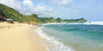 Pesona Pantai Nampu Wonogiri, Ada Patok Batas Jateng dan Jatim 7