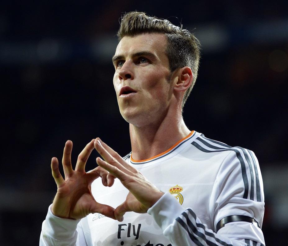 Selebrasi Tanda Hati Gareth Bale