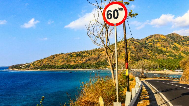 Jalan Senggigi Lombok, Pesona Pinggir Laut 1