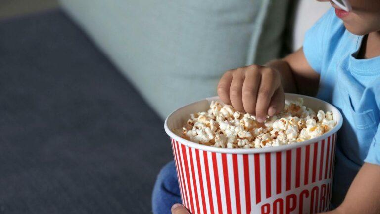 Mengapa Anak Usia Dibawah 4 Tahun Sebaiknya Tidak Makan Popcorn? 1