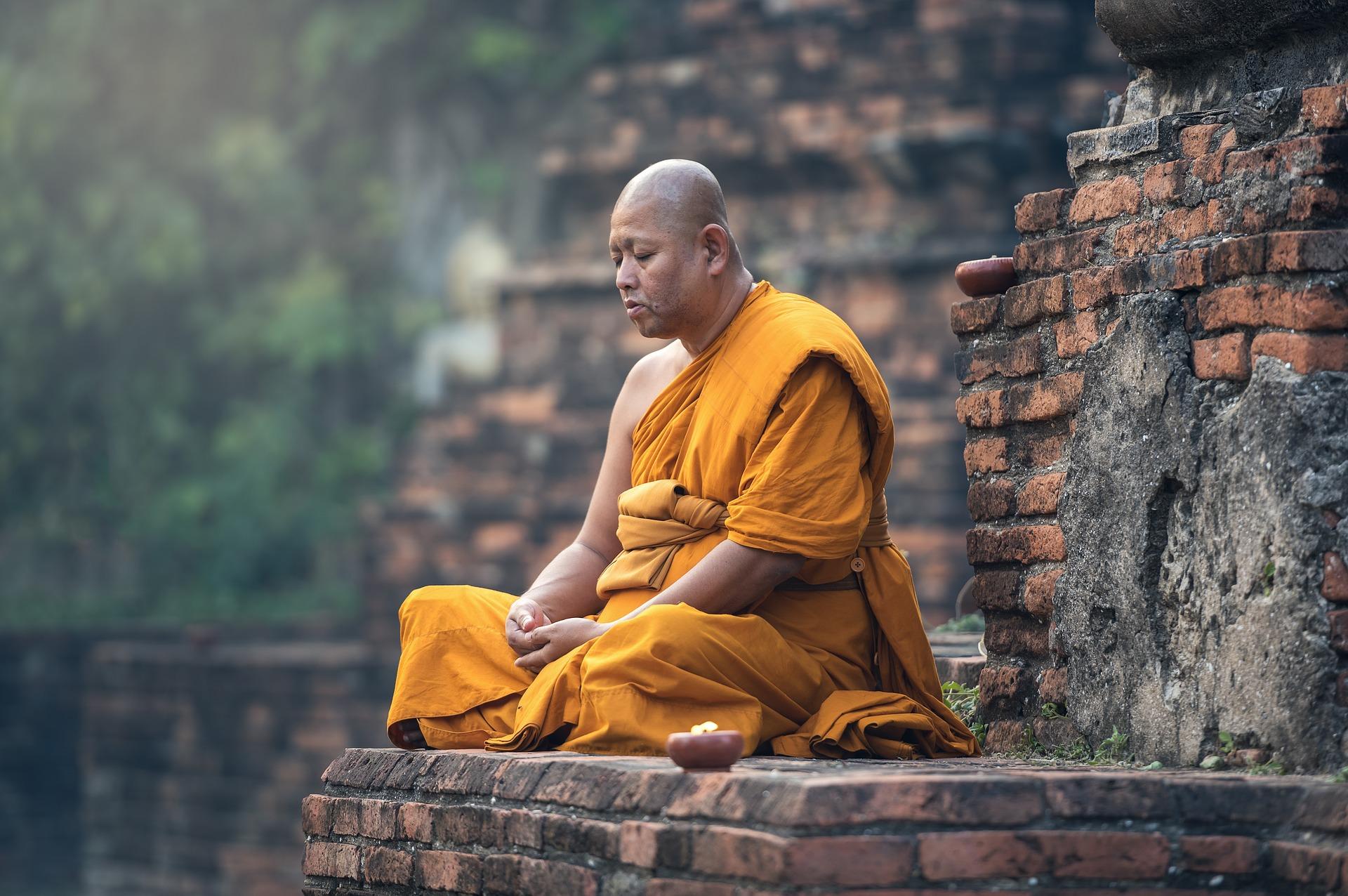 Menyingkap Fakta 5 Agama Besar di Dunia 7