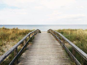 2 Tempat Wisata Pantai dengan Nama Unik di Rembang 17