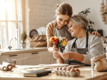 Bila Ingin Disayang Mertua, Maka Lakukan Hal Ini 7