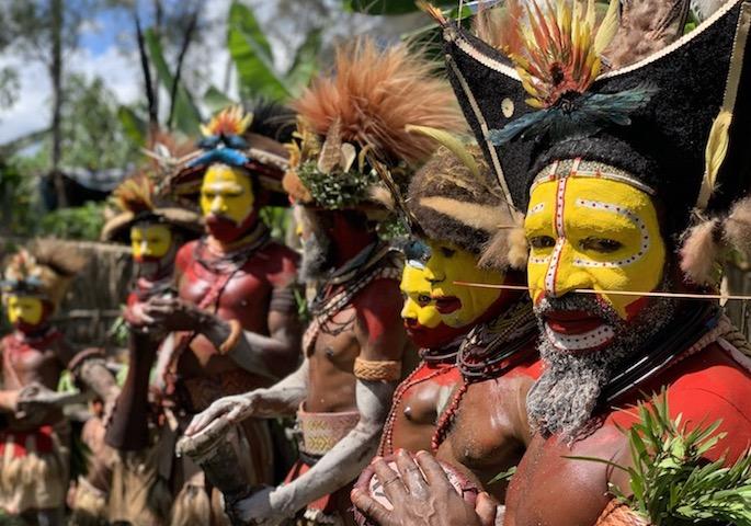 Suku Huli Papua New Guinea