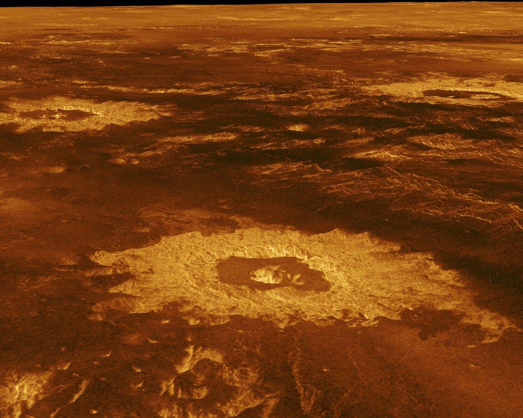 Salah satu kawah di Venus bernama Lavinia Planitia