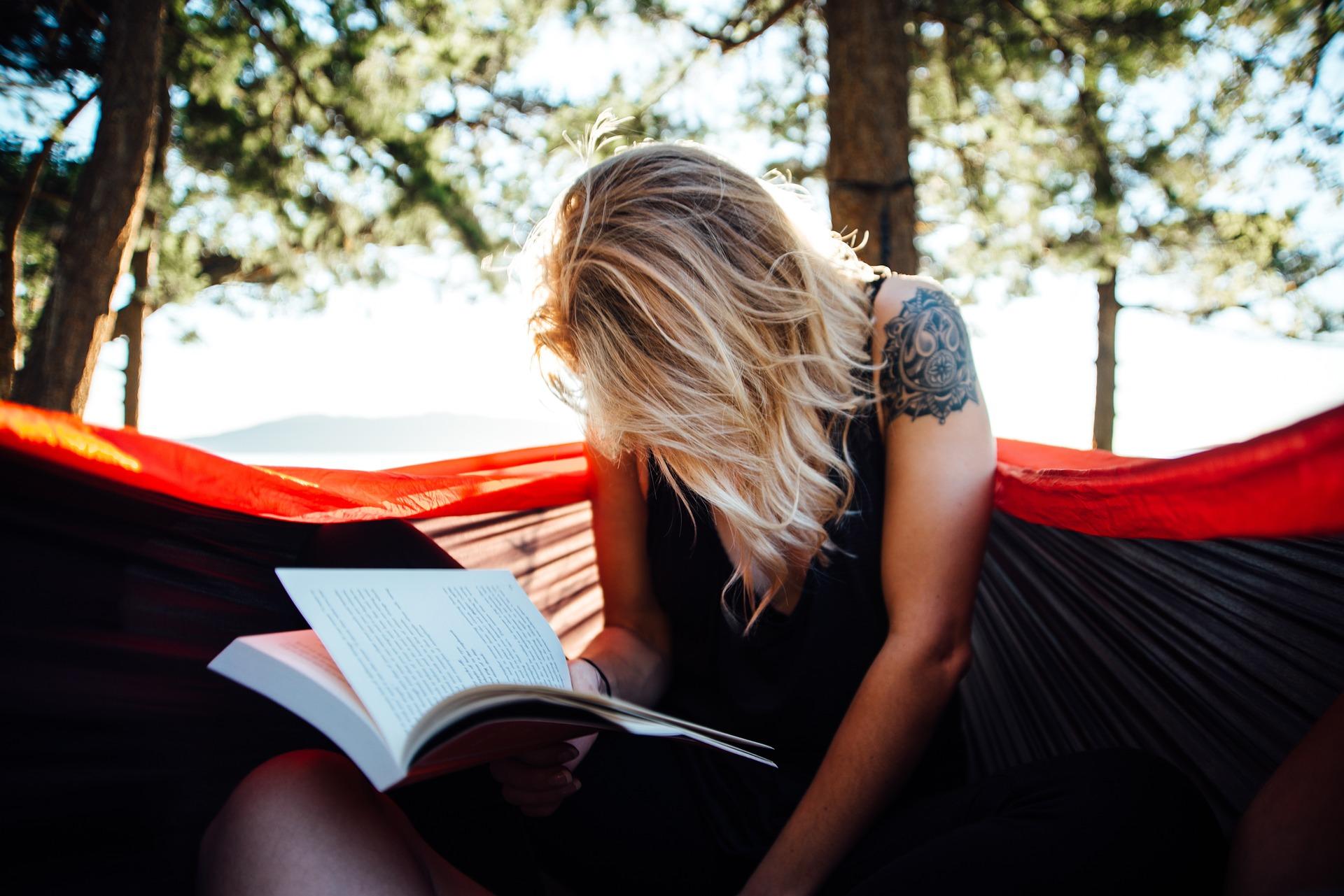 Sempatkan membaca minimal 2 halaman setiap hari