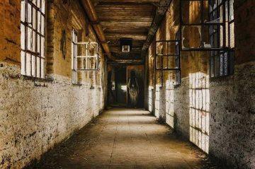 Arwah Gantung Diri Penunggu Rumah Kosong yang Suka Usil 25