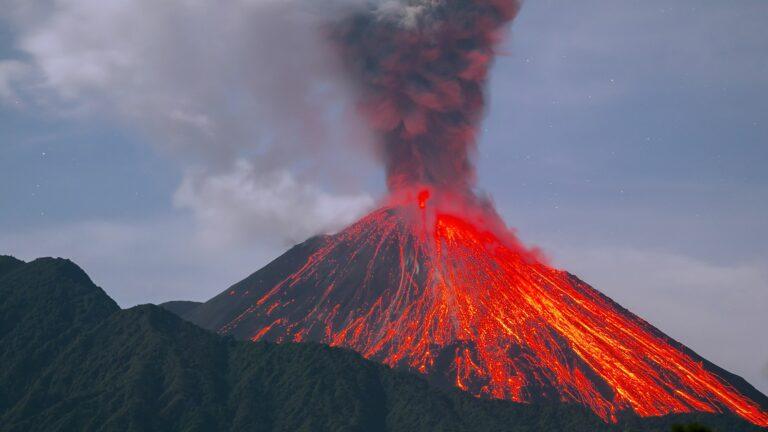 5 Letusan Gunung Api Terdahsyat Yang Pernah Ada Di Dunia 1