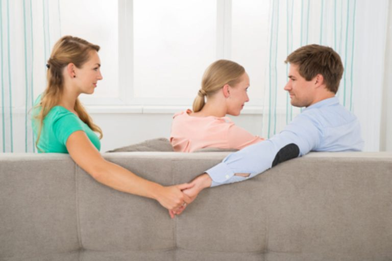 Kenapa Sering dalam Sebuah Hubungan terjadi Selingkuh? 1