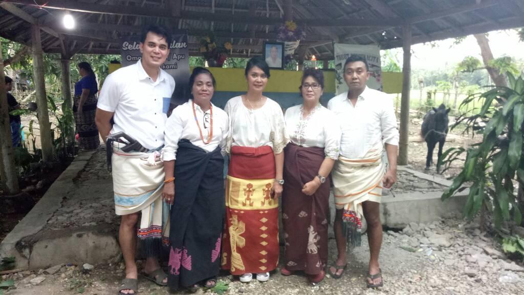 pemakaian kain sumba dalam upacara kematian