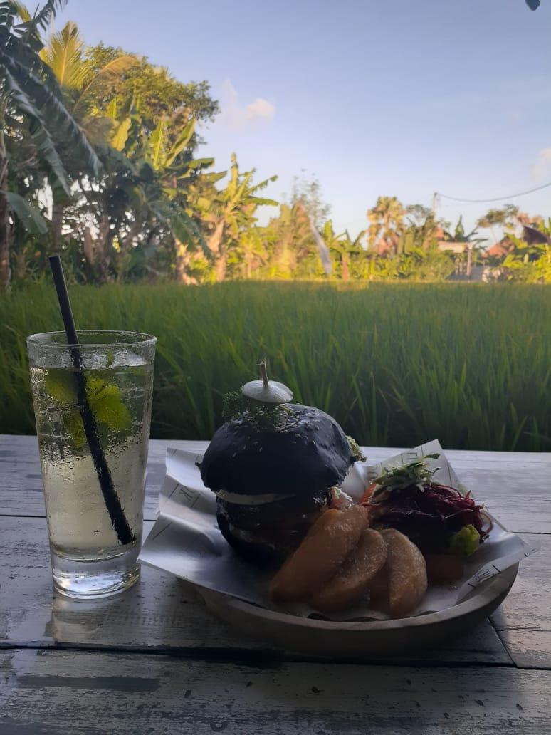 3 Kafe Instagramable di Bali 4
