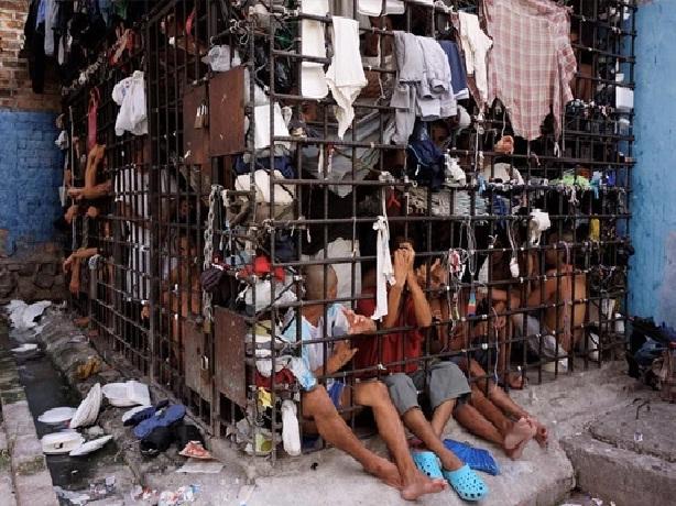 Penjara Penal De Ciudad Barrios di El Salvador yang seperti kandang ayam.
