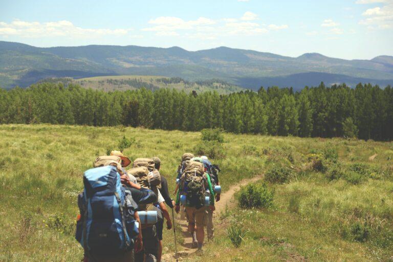4 Cara Irit Mendaki Gunung 1