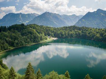 Telaga Sarangan Mirip Danau Geneva di Swiss 4