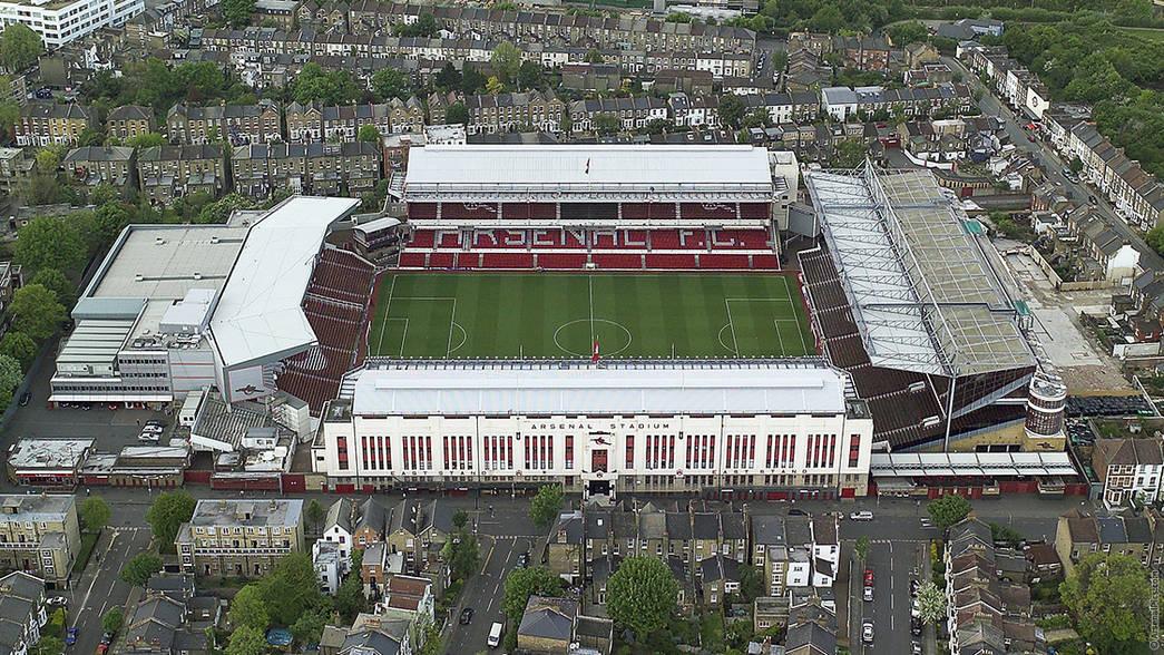 Stadion Highbury sebelum dirobohkan