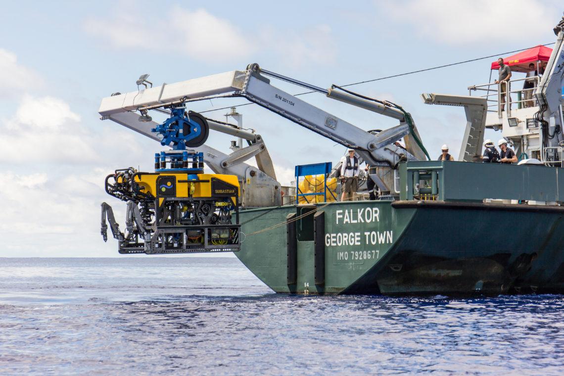 Mesin robot SuBastian yang dikirimkan ke kedalaman 4.500 meter dibawah laut. (dok. schmidt ocean institute)