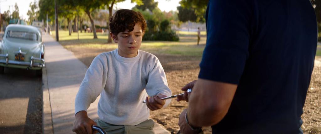 Piter Miles menerima kunci pas dari Shelby