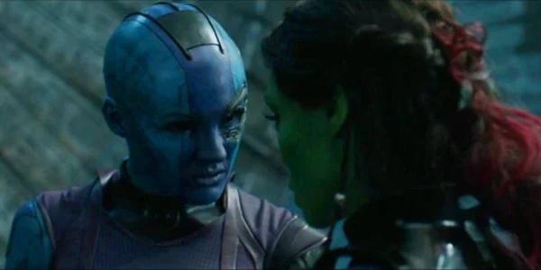 Nebula dan Gamora berbincang mengenai lokasi Soul Stone di film Guardian Of Galaxy Vol. 2