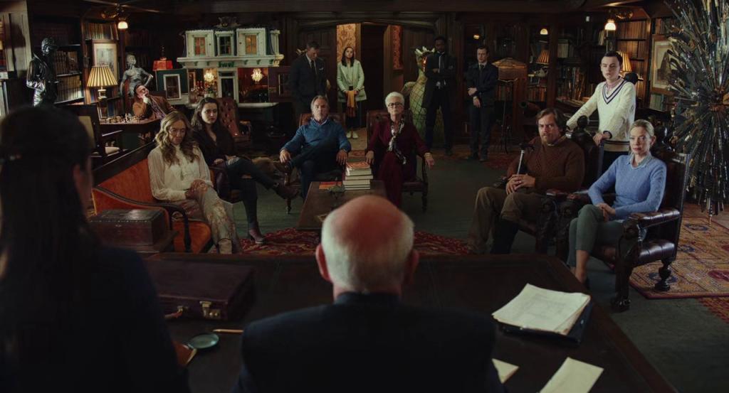 Keluarga Thrombey berkumpul untuk mendengar pembacaan wasiat