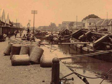 Sejarah Pelabuhan Kalimas Surabaya sebagai Pusat Perdagangan di Abad ke-20 10