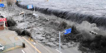 Bagaimana Terjadinya Tsunami, dan Mengapa Tsunami Sudah Biasa di Jepang? 15