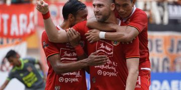 Jersey Klub Persija Jakarta dari Waktu ke Waktu 17