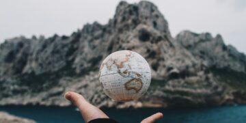 Antara Bumimu dan Bumiku 6