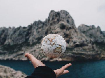 Antara Bumimu dan Bumiku 3